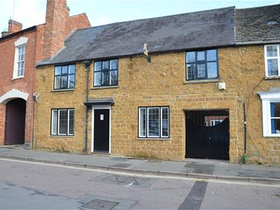 Property image of home to buy in Horse Fair, Banbury